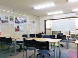 フルスイングの教室風景
