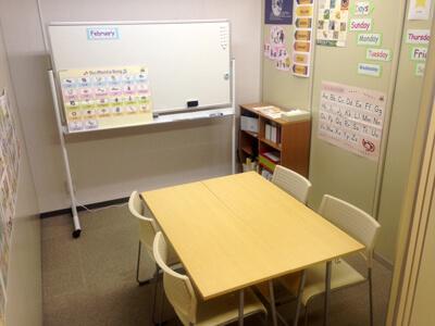 ECCジュニア西神南教室(ECCの個別指導ベストワン近く)のアルバイト風景