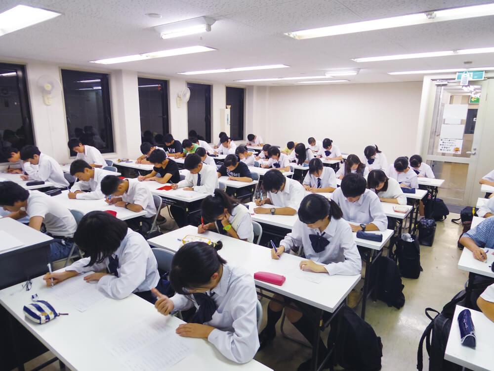 大阪市立大学 のアルバイト風景1